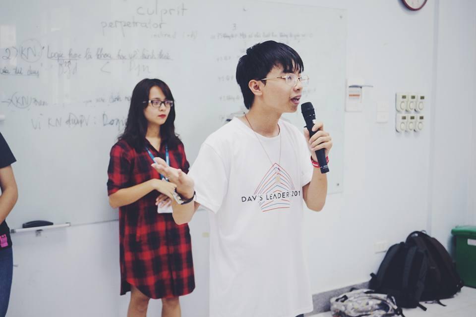 Vietnam, Rede, Mikrofon, Sprachcafe